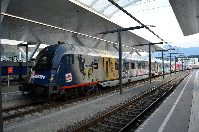 18 Eisenbahnfreunde Kraichgau Chiemsee Salzburg Hauptbahnhof RailJet Sonderlackierung 01