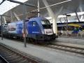18 Eisenbahnfreunde Kraichgau Chiemsee Salzburg Hauptbahnhof RailJet Sonderlackierung 02